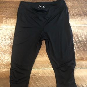 Black crop athletic pants 🧘‍♂️